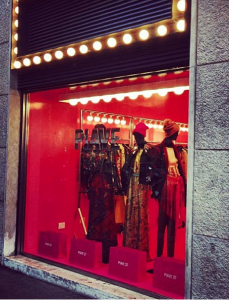 Vetrina negozio Piave 37 Milano